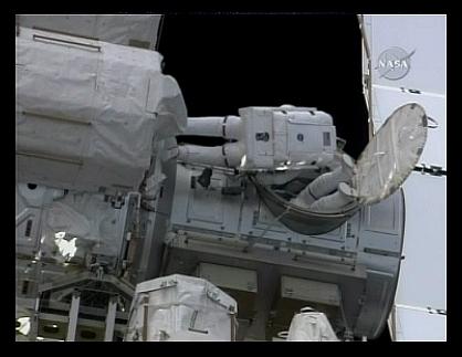 [STS-129] Atlantis : suivi de l'EVA#2 (Foreman & Bresnick) Flight day 6 Sans_181