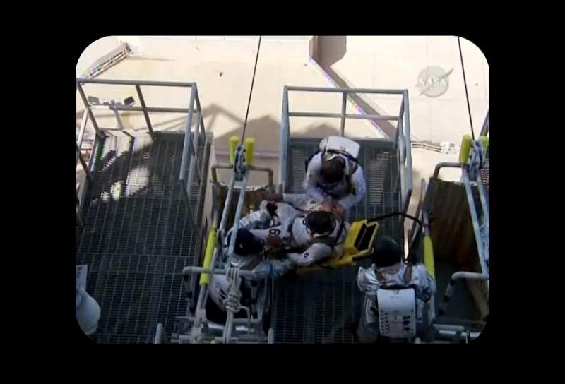 [STS-129] Atlantis : préparatifs (lancement le 16/11/2009) - Page 2 Sans_t66
