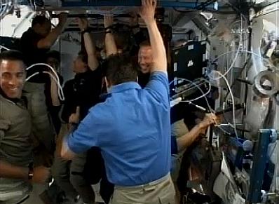 [STS-127: Endeavour] suivi de la mission. - Page 3 Wc210