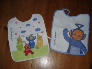 vente de puériculture ( peluches,porte bébé, couches lavables, bavoirs, gigoteuses.......) Bavoir10