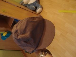 chaussures, chapeau pour enfant. Dsc02919
