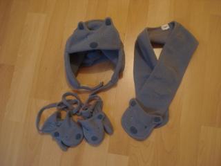 chaussures, chapeau pour enfant. Dsc02922