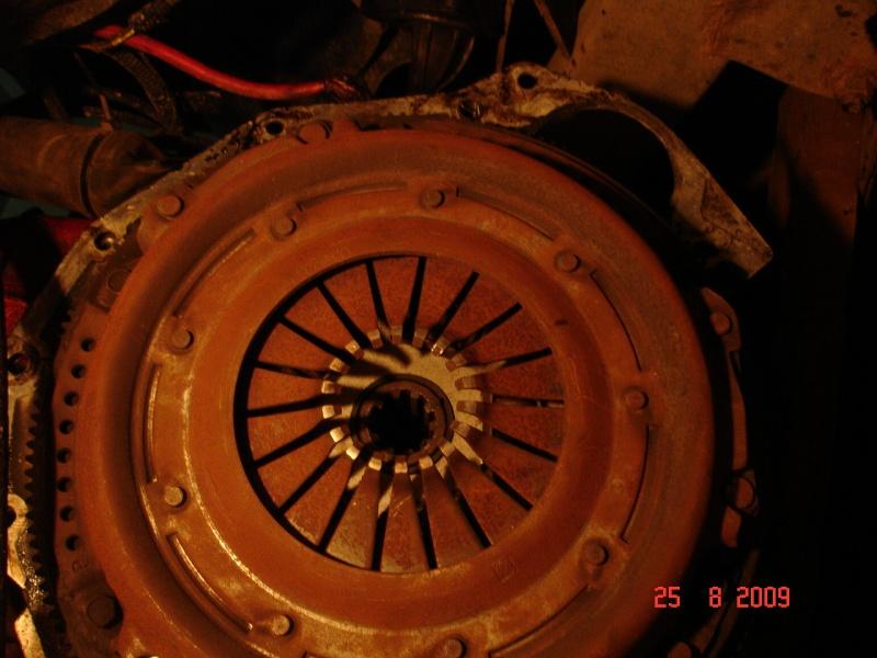 Butée hydraulique d'embrayage Dsc08016