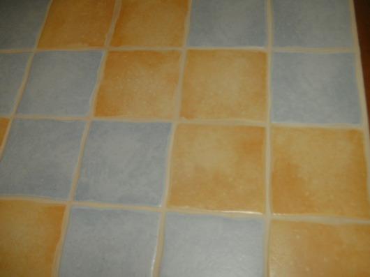 plan de travail carrelé dans une cuisine Bild0011