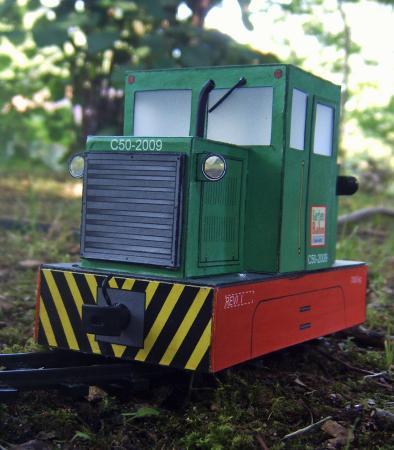 Karton Modell einer ungarischen C-50 Motorlokomotive Img00011