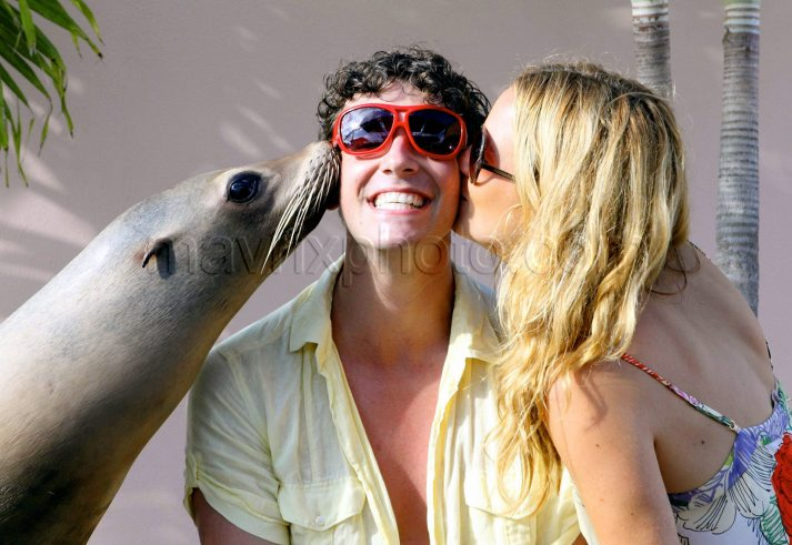 Becki and Michael and Sea Lion! Uriene10