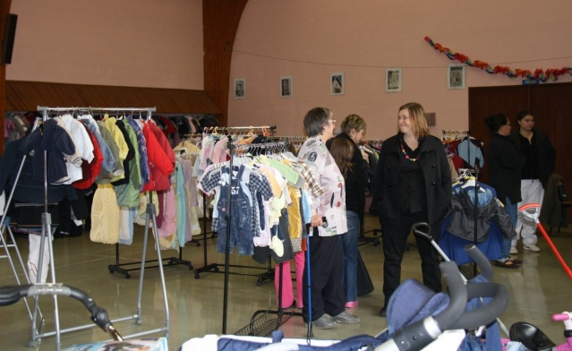 Bourse aux vêtements enfants à Wangen organisée par l'ACSL Img_5711