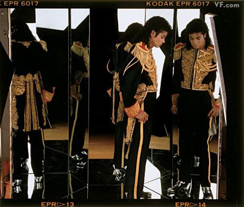 Michael Jackson in posa (anke come modello era bellissimo) - Pagina 2 Michae17