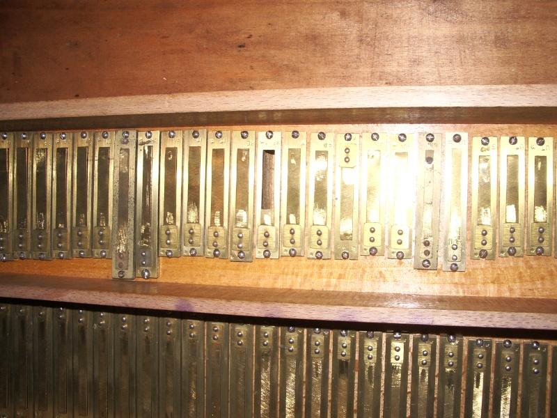 donne petites pieces d'harmonium d'église Imgp3210