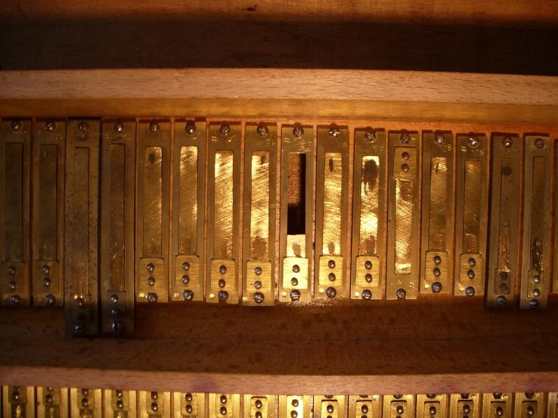 donne petites pieces d'harmonium d'église Imgp3211
