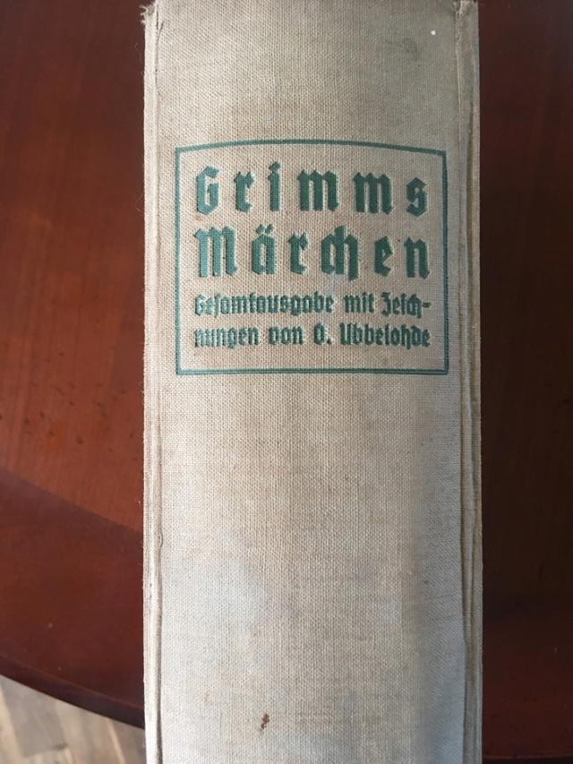 Livre Les Contes de Grimm  Conte10