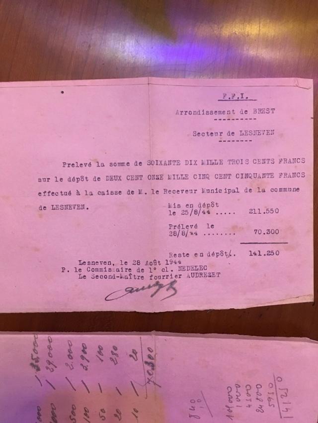 Agenda 1944 avec un joli plus. Gp910