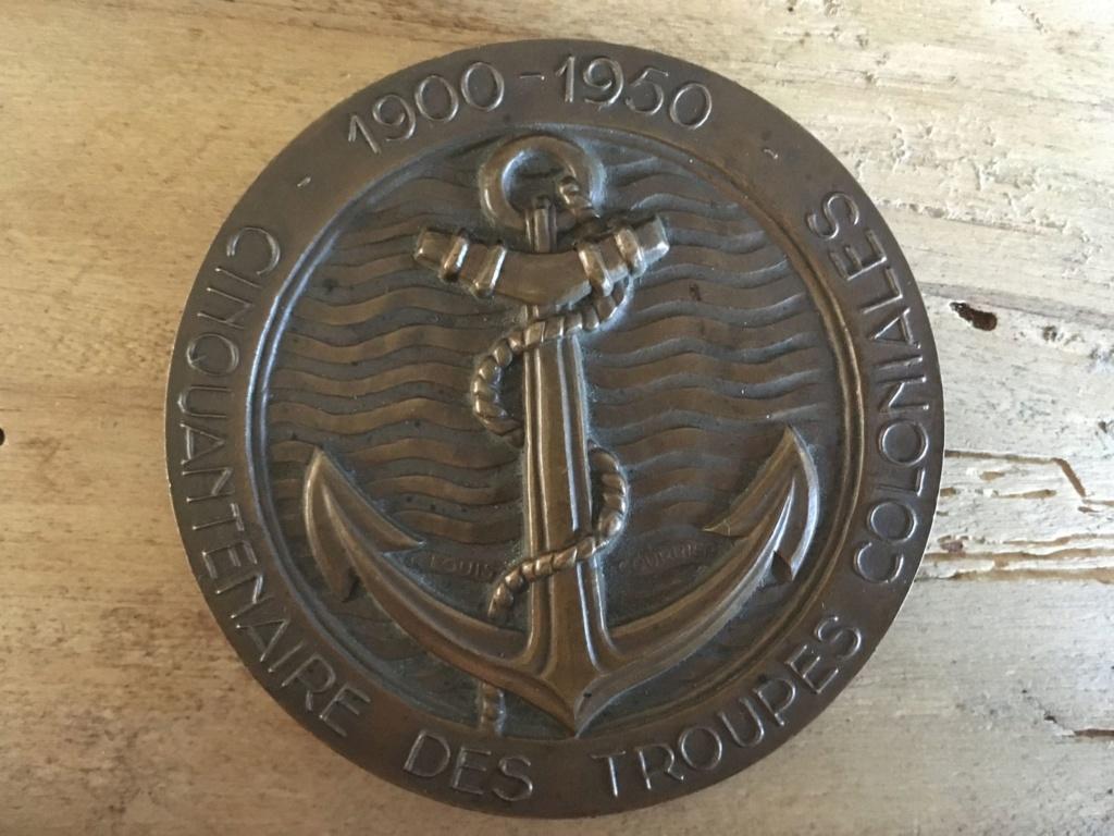 Cinquantenaire des Troupes Coloniales. Médaille de table. M210