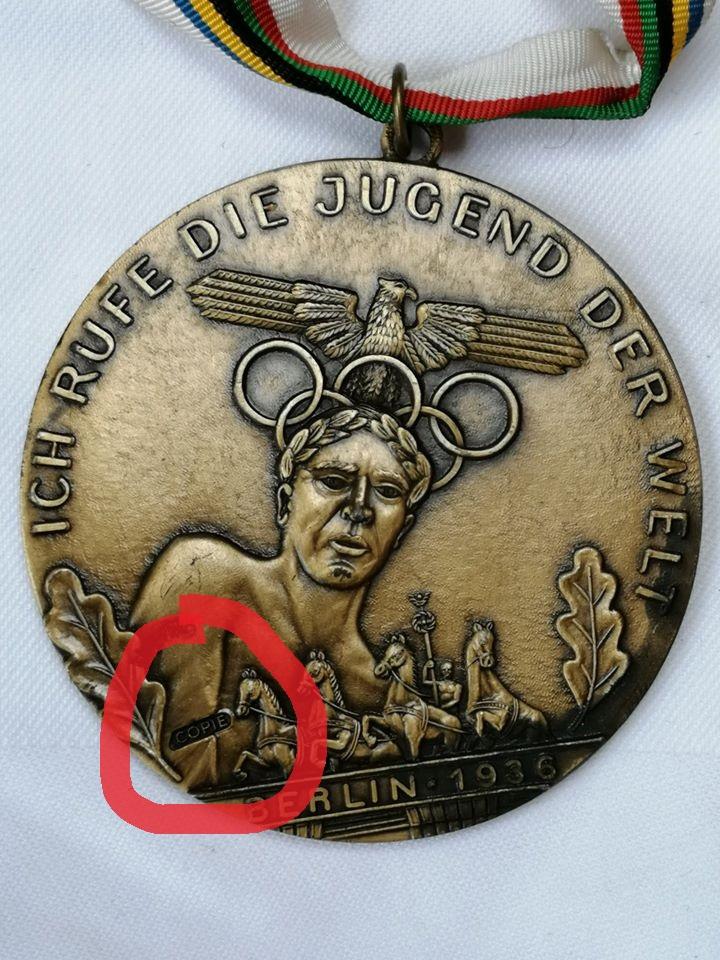 Médaille commémorative des Jeux Olympes de Berlin 1936 Mzodai10