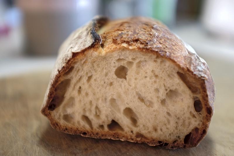 Du pain au four à convoyeur Dscf5311