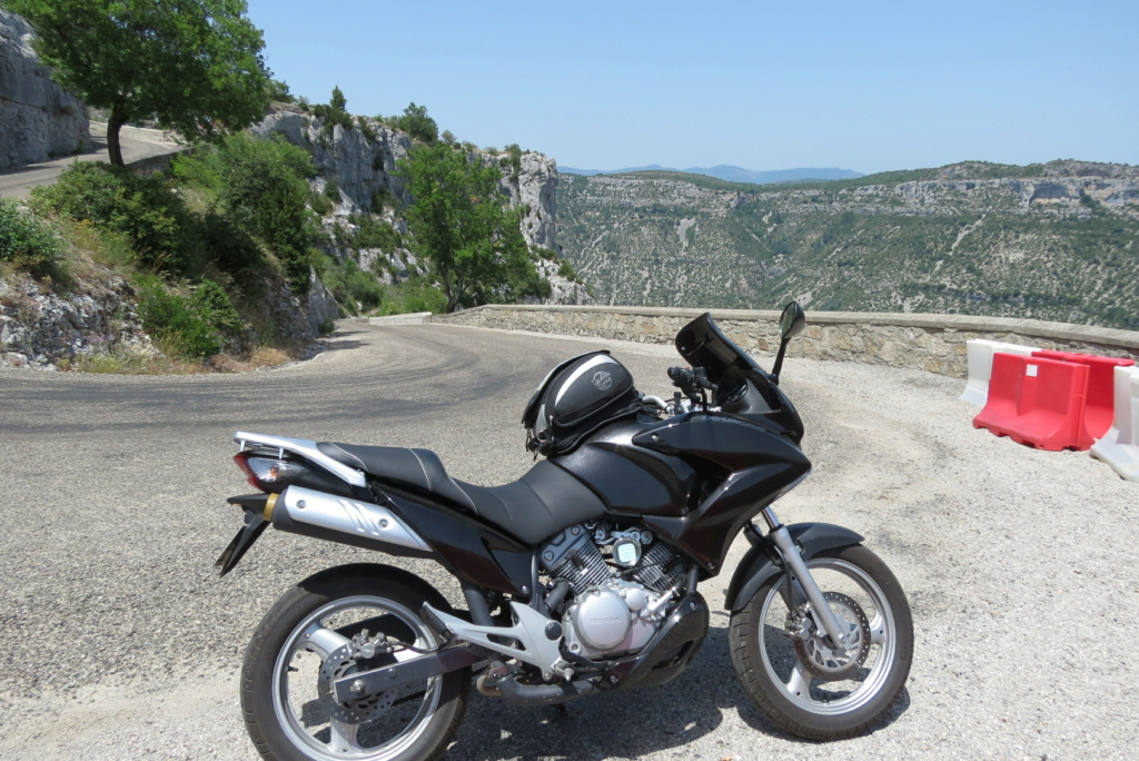 [ Luckyknee ] Nouveau motard et Varaderiste Varasu16