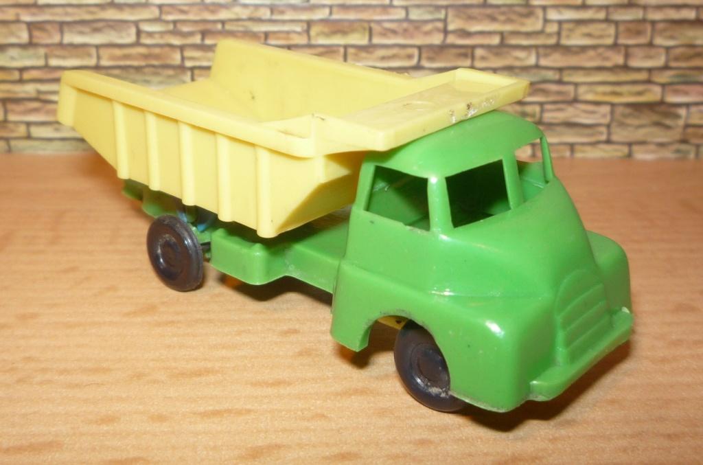Havas Modelle aus Ungarn ca. 1/90 Bedfor12