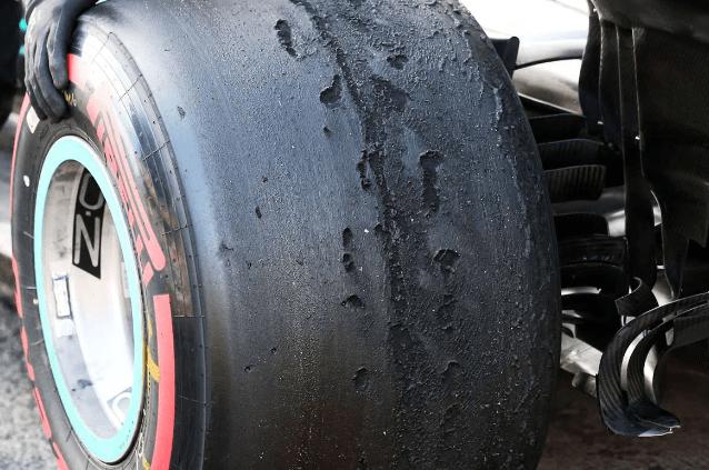 Le manufacturier Pirelli assassine t'il la Formule 1 ? - Page 2 C0c28710