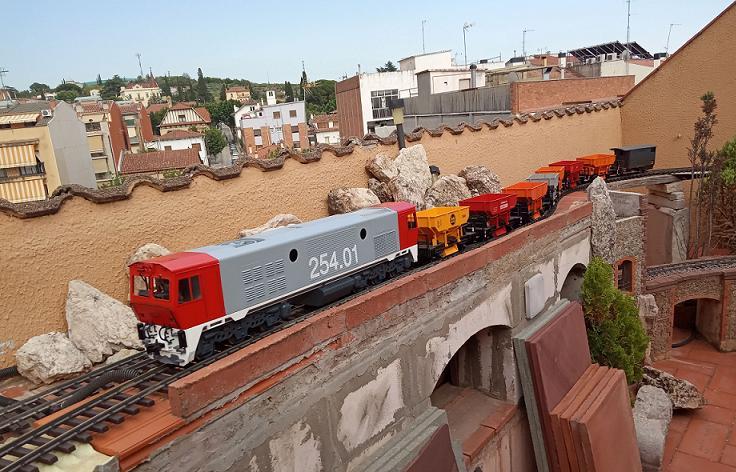 Els Ferrocarrils de la Terrassa-III [Olot] - Página 41 Img_2114
