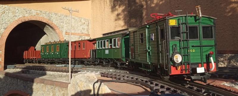 Els Ferrocarrils de la Terrassa-III [Olot] - Página 42 Reestr10