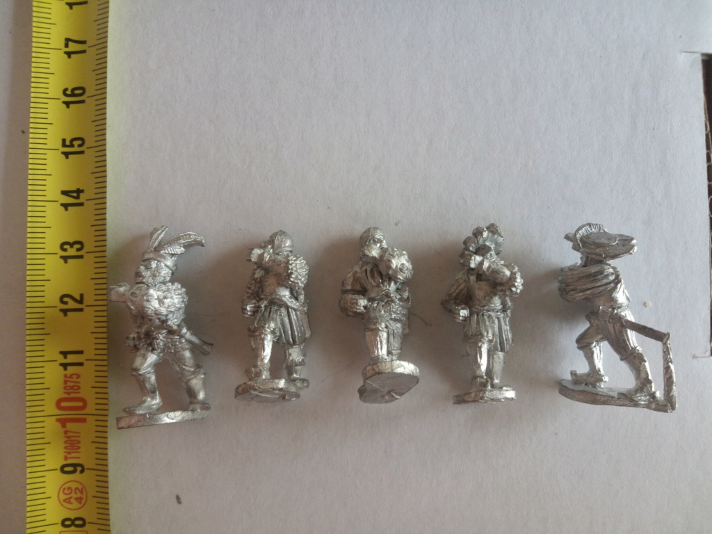 Figurines historiques 25mm (a priori, mais ça semble petit pour du 28) Img_2010