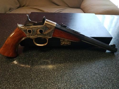 Deux nouvelles armes en 22LR Uberti10