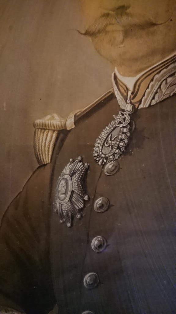 un général gouverneur mais qui est il ? et décorations à identifier. Dsc_8727