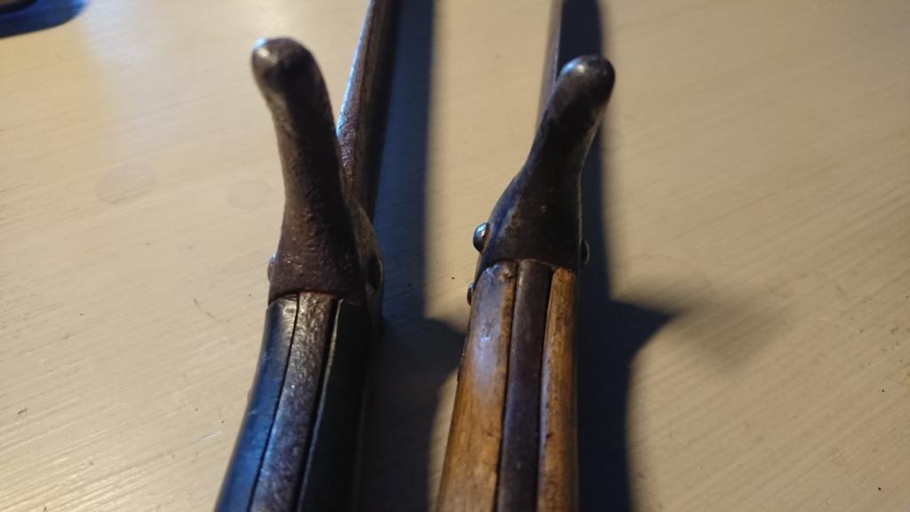 baionnettes poignards berthier avec quillon inversés  Dsc_9131