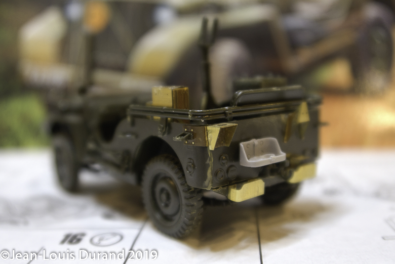 Jeep Willys - HQ-Troop, 2nd Reconnaissance Squadron, 8th Cavalery, 4th Infantry Division 1945 - REVELL 03015 - 1/35 Jeep_w12