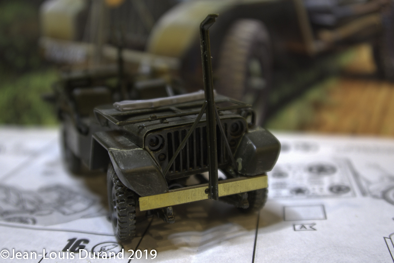 Jeep Willys - HQ-Troop, 2nd Reconnaissance Squadron, 8th Cavalery, 4th Infantry Division 1945 - REVELL 03015 - 1/35 Jeep_w17