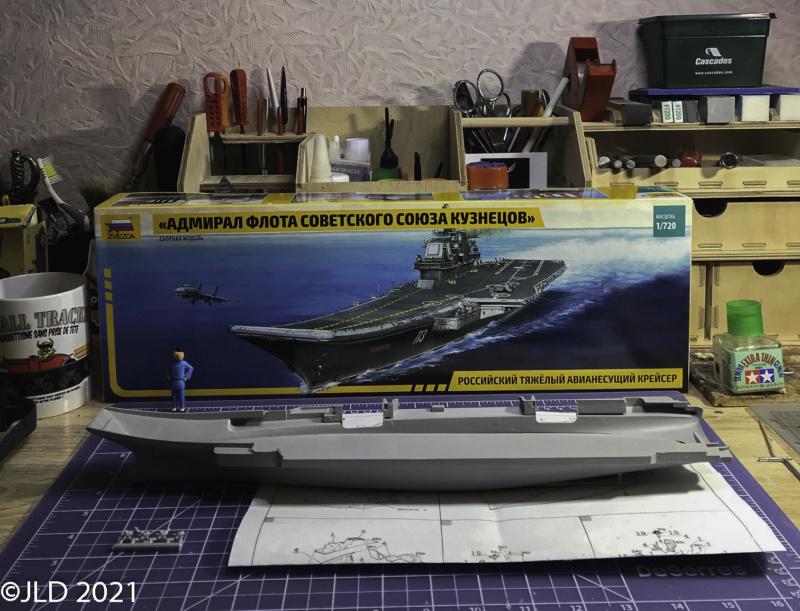 Porte-avions Amiral Kuznetsov - Zvezda - 1/720 Kuz_0011