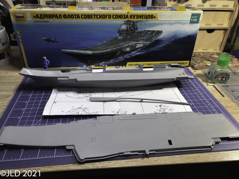 Porte-avions Amiral Kuznetsov - Zvezda - 1/720 Kuz_0012
