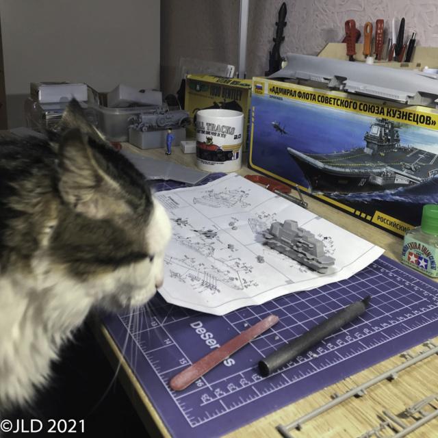 Porte-avions Amiral Kuznetsov - Zvezda - 1/720 - Page 2 Kuz_0017