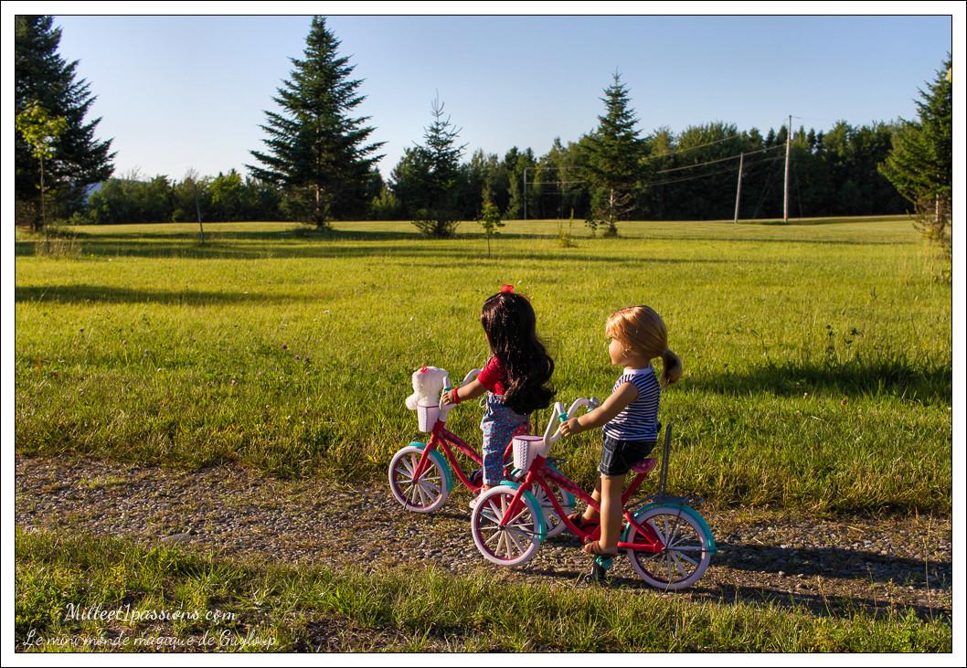 Charlotte et Nanea se baladent en vélo Img_6313