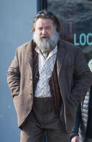 First look at Russell Crowe in True History Of The Kelly Gang movie Russel10