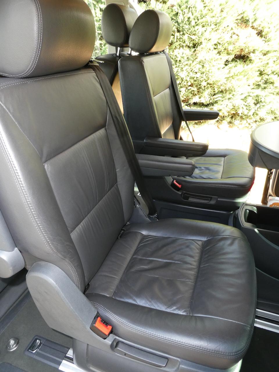 A vendre notre Multivan T5 Highline 174CV boîte auto de 2007 VENDU ! P1000429