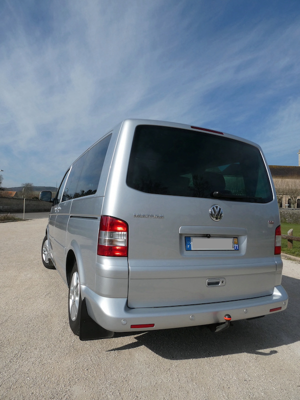 A vendre notre Multivan T5 Highline 174CV boîte auto de 2007 VENDU ! P1010014
