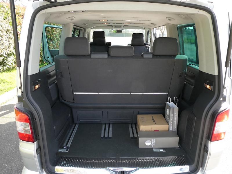 A vendre notre Multivan T5 Highline 174CV boîte auto de 2007 VENDU ! P1010017