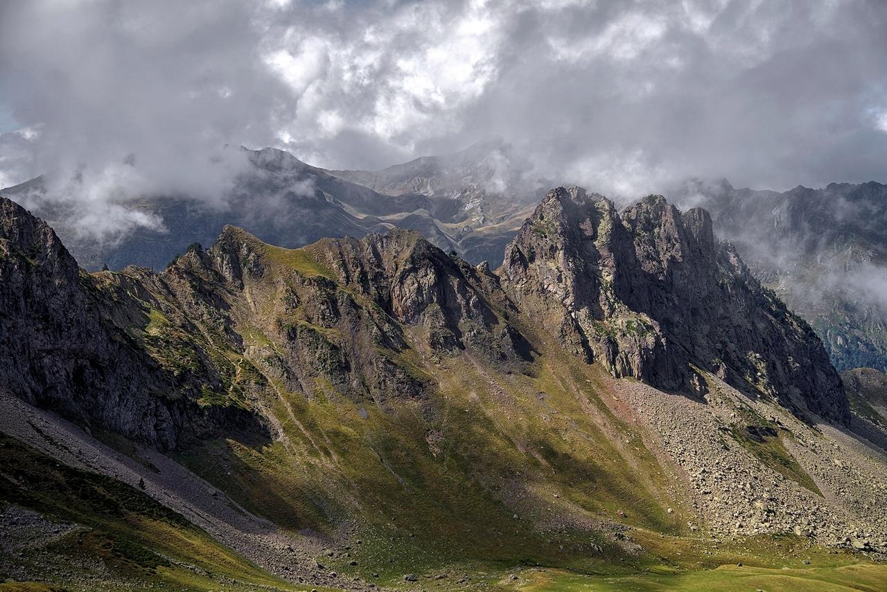 Montagne. Brèche Moundhels face Est----------Ajout----------   Imgp2210