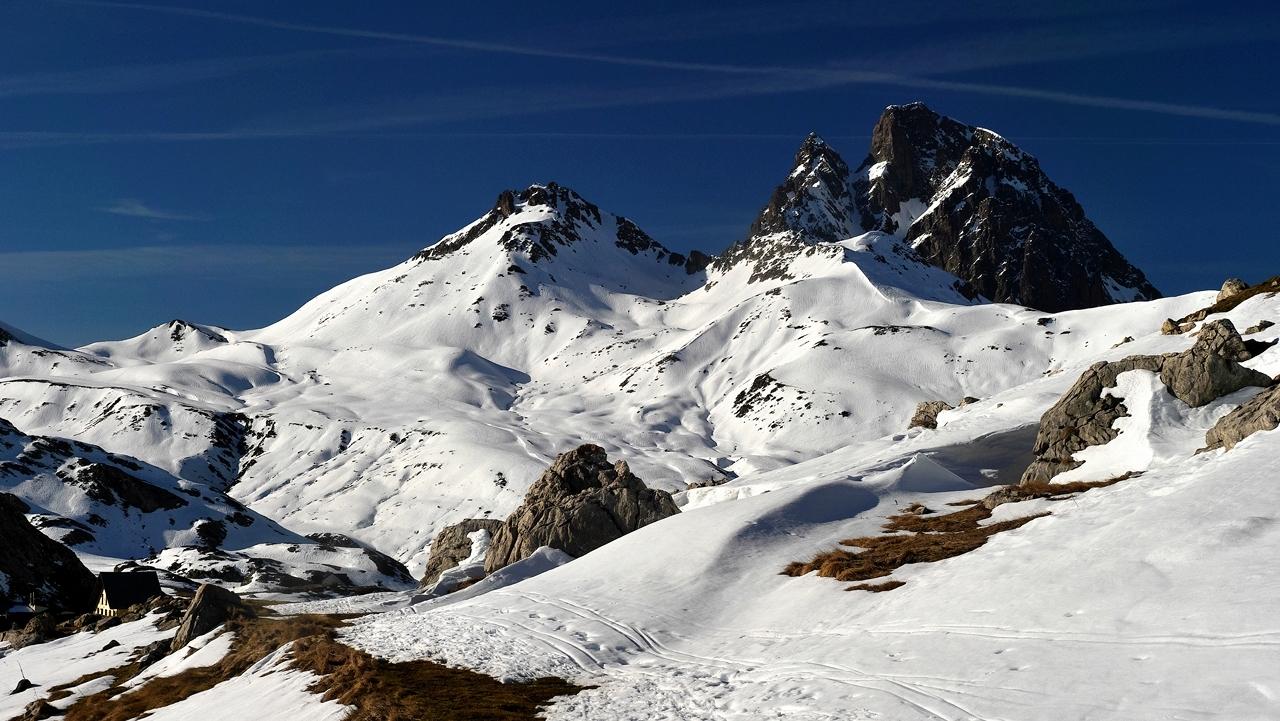 Pic du midi d'Ossau et pic Peyreget P1047510