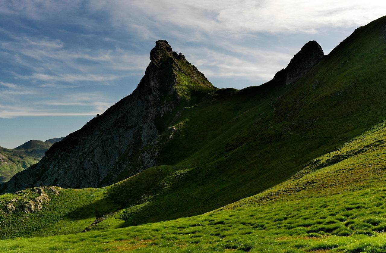Le pic du midi d'Ossau depuis le pic Lavigne. P1059212