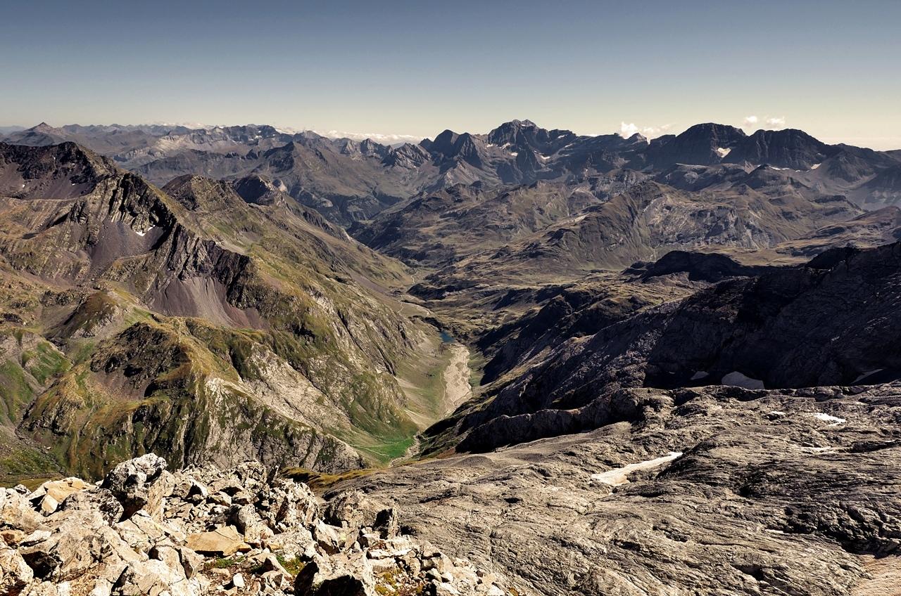 Montagne. La brèche de Roland depuis le Vignemale   P1060711
