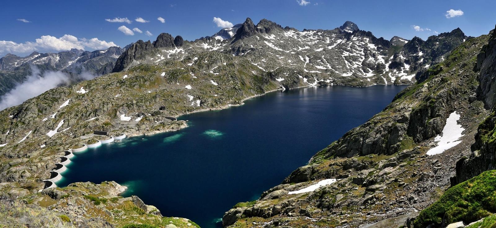 Lac et barrage de Migouélou hautes Pyrenées  P1190810