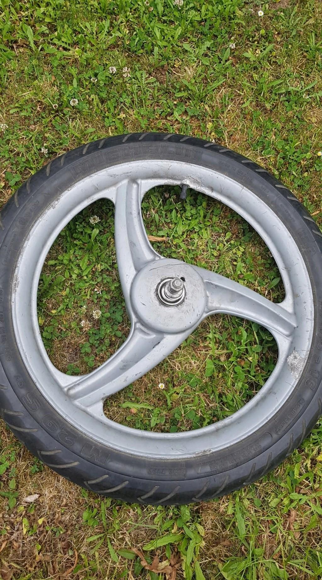 Roulement roue avant  61744310
