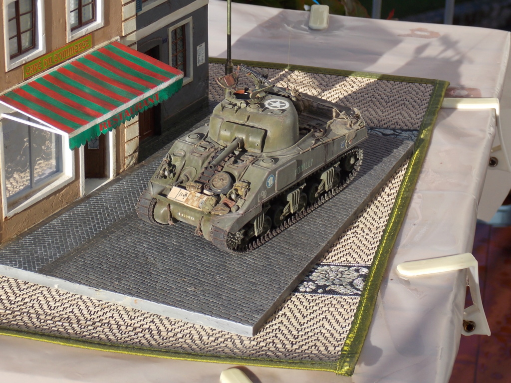 """Sherman le """"ROMILLY """"  maquette ASUKA  1/35  - Page 2 Dscn1016"""