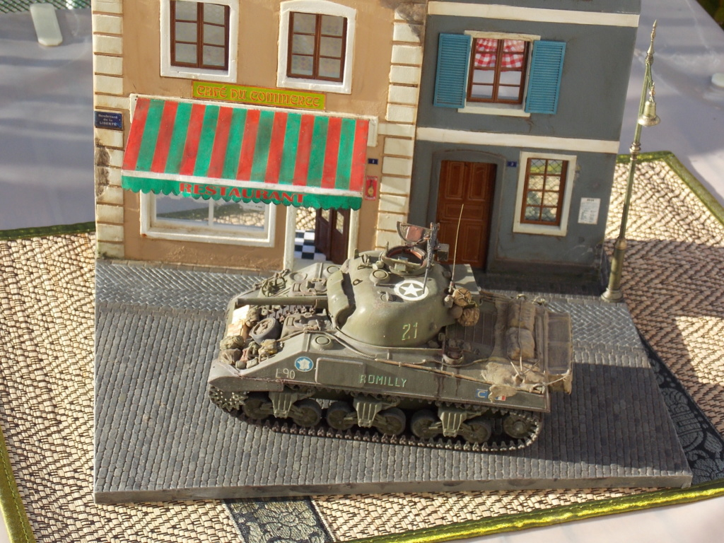 """Sherman le """"ROMILLY """"  maquette ASUKA  1/35  - Page 2 Dscn1017"""