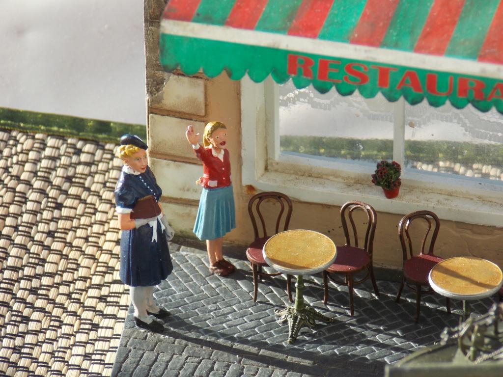 Libération de PARIS par le  ROMILLY Sherman du 501 RCC 1/35 (Asuka  /Miniart ) - Page 10 Dscn1039
