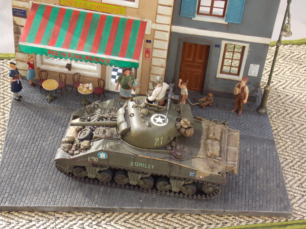 """Sherman le """"ROMILLY """"  maquette ASUKA  1/35  - Page 2 Dscn1081"""