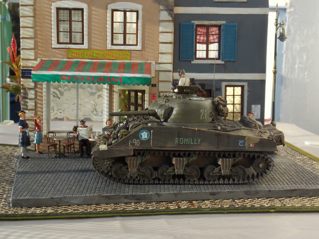 """Sherman le """"ROMILLY """"  maquette ASUKA  1/35  - Page 2 Dscn1082"""