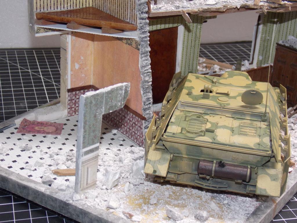Guet-apens  Jadpanzer IV L48 / figurines DRAGON / décor perso  1/35  FINI  - Page 3 Dscn1351